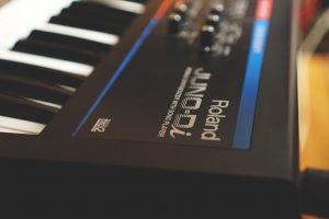 Envolvente Estudio - Teclado Roland Juno Di